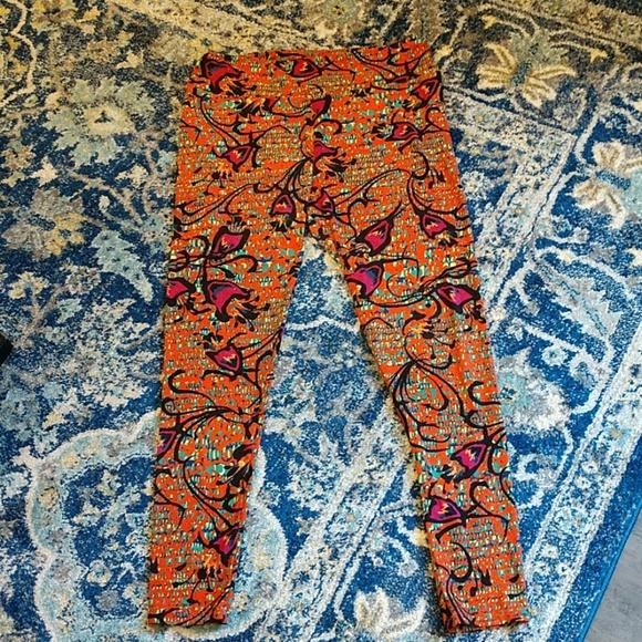 LuLaRoe Pants - Lularoe tall and curvy leggings,EUC
